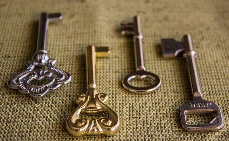 Мебельные ключи